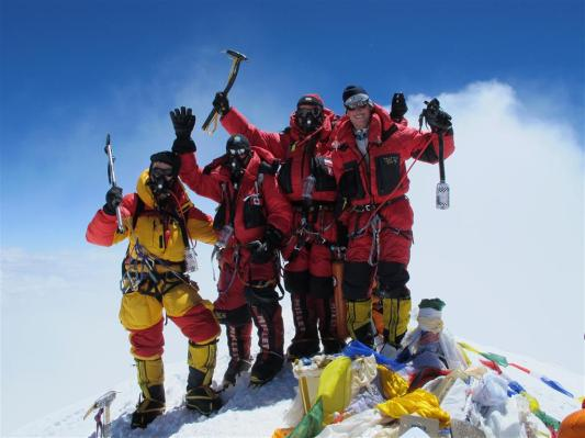 everest-on-the-summit